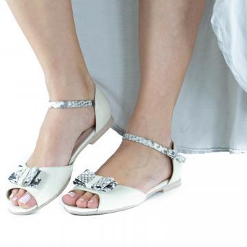 sandale flat, sandale talpa joasa, sandale piele, sandale piele naturala, sandale la comanda, sandale dama, sandale cu fundita, sandale pe comanda, sandale comode