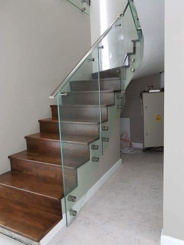 Balustrada cu sticla