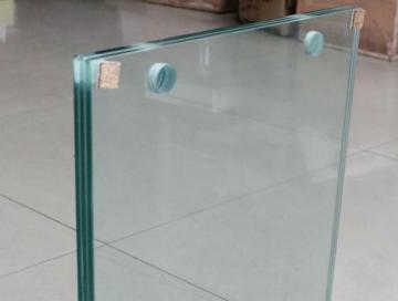Sticla laminata clara cu gaurire