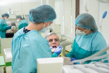 detartraj ieftin, detartraj bun, stomatolog bun, dentist, periaj dentar, coloratii dentare,