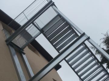 scari de incendiu metalice, producator scari de incendiu, scara de incendiu pret firma, fabrica scari metalice de incendiu, preturi scari de evacuare ieftine