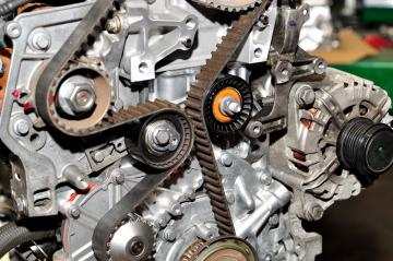 pret mecanic service kit distributie, inlocuire kituri distributie pret, service kit distributie schimb ieftin, serviceuri auto schimb chit distributie, oferta service kit distributii
